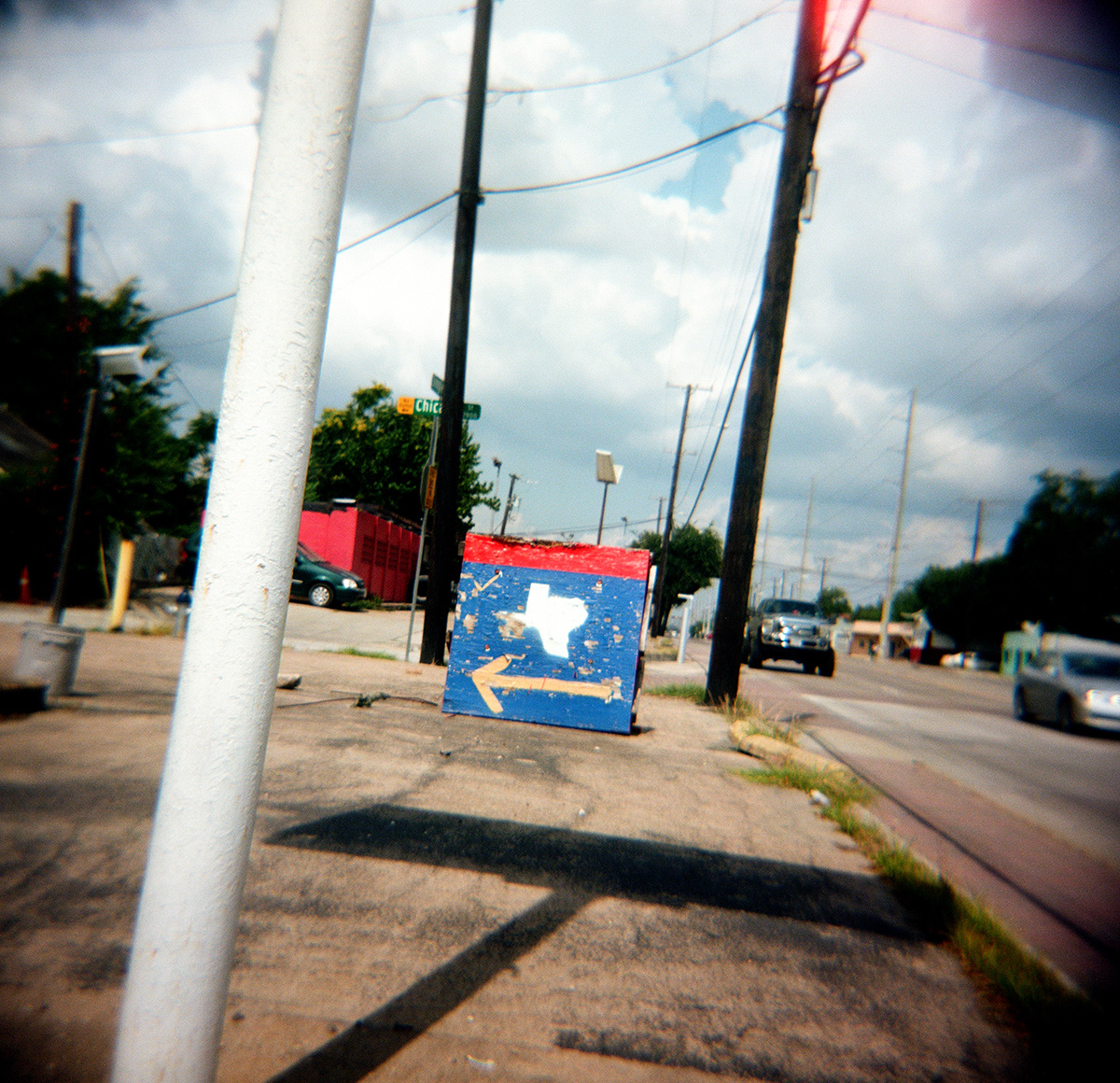 97247c63597b5d91-Almost_Texas_Singleton_left_behind.jpg